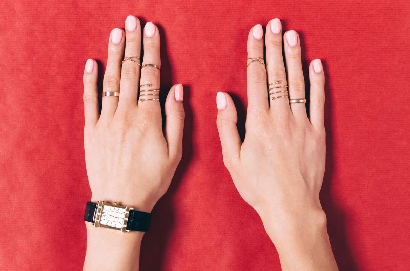 How to prevent a gold ring from turning your finger black