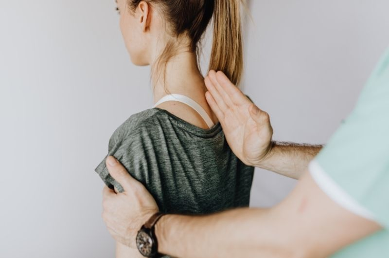 Which is better, an osteopath or a chiropractor?