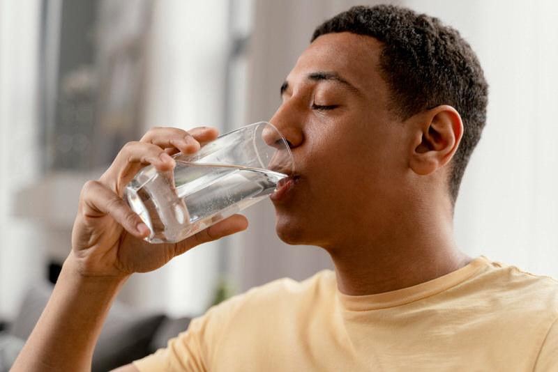 Why Does It Hurt When I Drink Water On An Empty Stomach?
