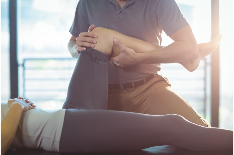 Knee Manipulation Pros and Cons
