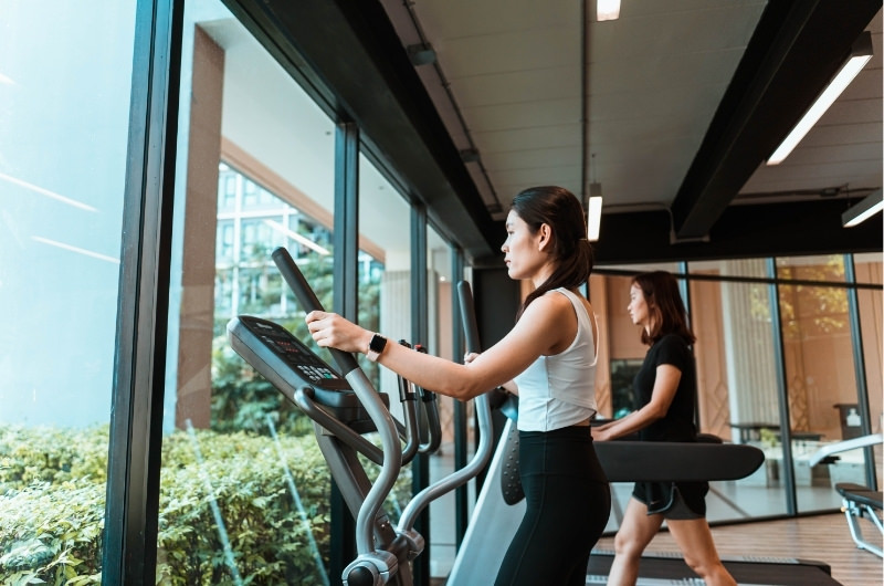 Why Is The Elliptical So Hard? 8 Ways You're Doing It Wrong